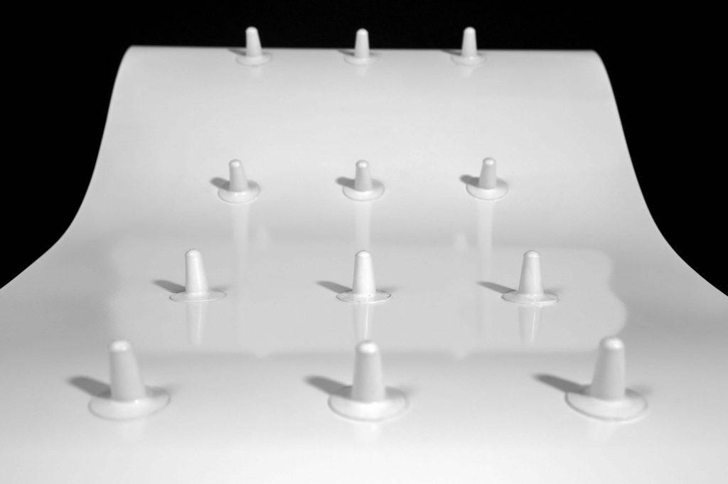 Esbelt-Profiles-and-Cleat-Short-fingers-white